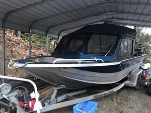 Used Custom Weld Storm 21 Aluminum Fishing Boat For Sale