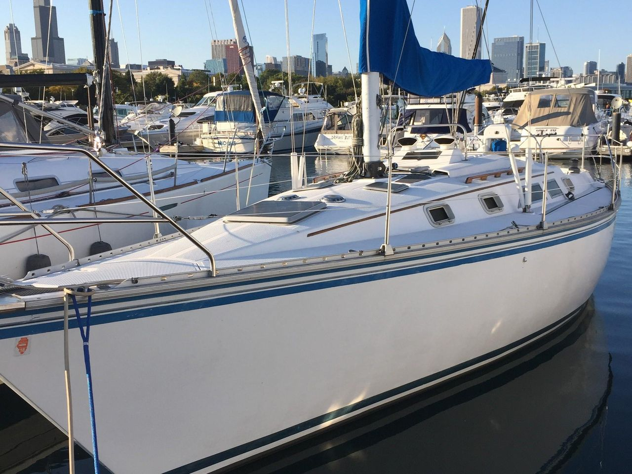 1983 Used Hunter 34 Cruiser Sailboat For Sale 15 500