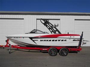 Used Malibu 22 VLX22 VLX Ski and Wakeboard Boat For Sale