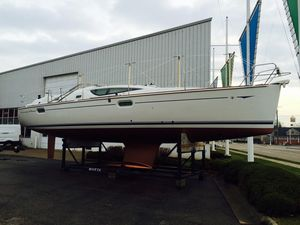Used Jeanneau 42DS Deck Saloon Sailboat For Sale