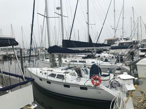 Used Hunter 35.5 Cruiser Sailboat For Sale
