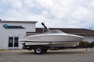 Used Regal 1900 ESX Bowrider1900 ESX Bowrider Boat For Sale