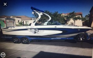 Used Centurion Enzo SV233 Ski and Wakeboard Boat For Sale