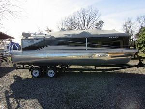 Used Suncatcher V22C Pontoon Boat For Sale