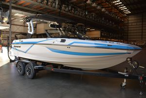 New Supreme S211S211 Ski and Wakeboard Boat For Sale