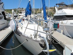 Used Pacific Seacraft 34' Cruiser Sailboat For Sale