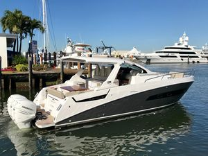 Used Azimut 40 Verve40 Verve Sports Cruiser Boat For Sale