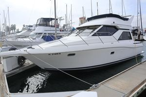 Used Bayliner 3258 Avanti Cruiser Boat For Sale