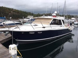 Used Cutwater C30 Cruiser Boat For Sale