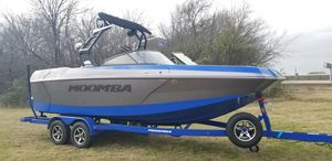 New Moomba MaxMax Ski and Wakeboard Boat For Sale