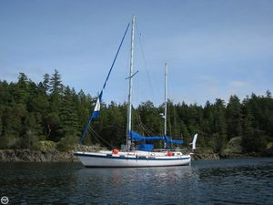 Used Morgan Out Island 415 Racer and Cruiser Sailboat For Sale
