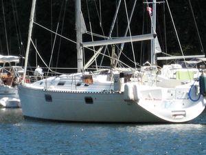 Used Beneteau 351 Oceanis Cruiser Sailboat For Sale