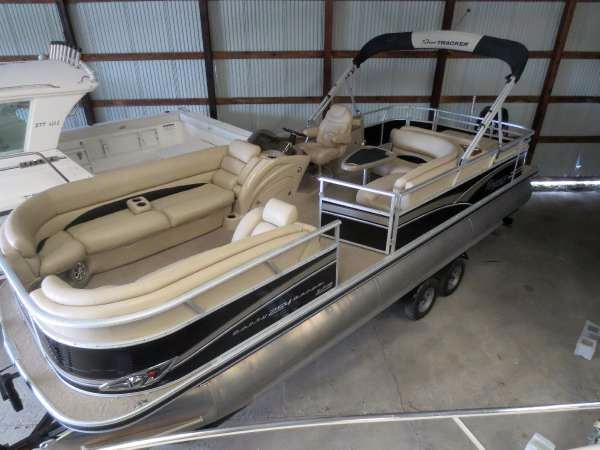 Used Sun Tracker Regency 254XP3 Pontoon Boat For Sale
