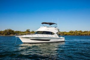 New Riviera 39 Sports Motor Yacht Motor Yacht For Sale