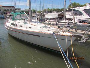 Used Beneteau Oceanis CC Center Cockpit Sailboat For Sale