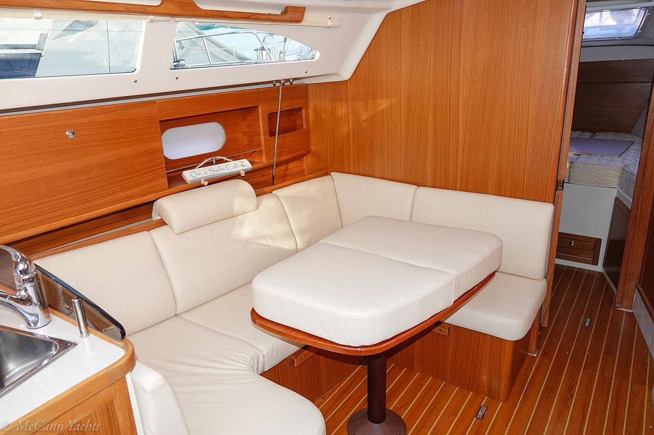 2016 Used Catalina 315 Cruiser Sailboat For Sale - $114,900