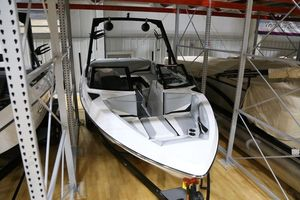 New Axis T22T22 Ski and Wakeboard Boat For Sale