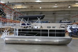 New Misty Harbor Adventure CR A-2085CRAdventure CR A-2085CR Pontoon Boat For Sale