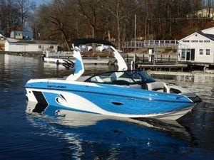 New Centurion Ri217Ri217 Ski and Wakeboard Boat For Sale