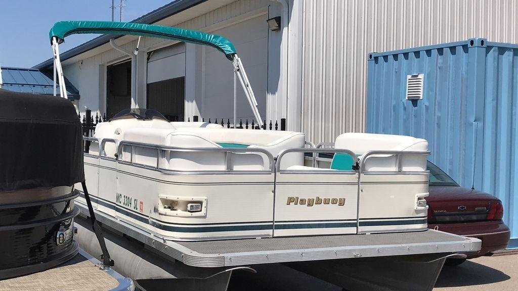 2003 Used Playbuoy 180 Tropic Se180 Tropic Se Pontoon Boat