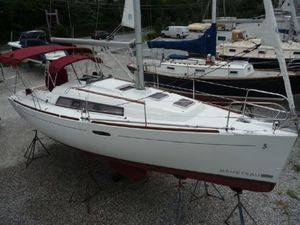 Used Beneteau 31 Racer and Cruiser Sailboat For Sale