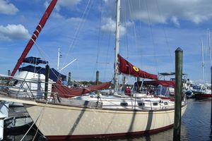 Used Island Packet 35 Cruiser Sailboat For Sale