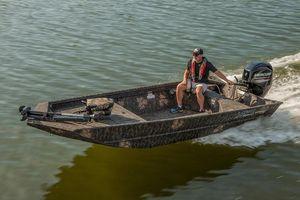 New Lowe Roughneck 1660 Deluxe TillerRoughneck 1660 Deluxe Tiller Jon Boat For Sale