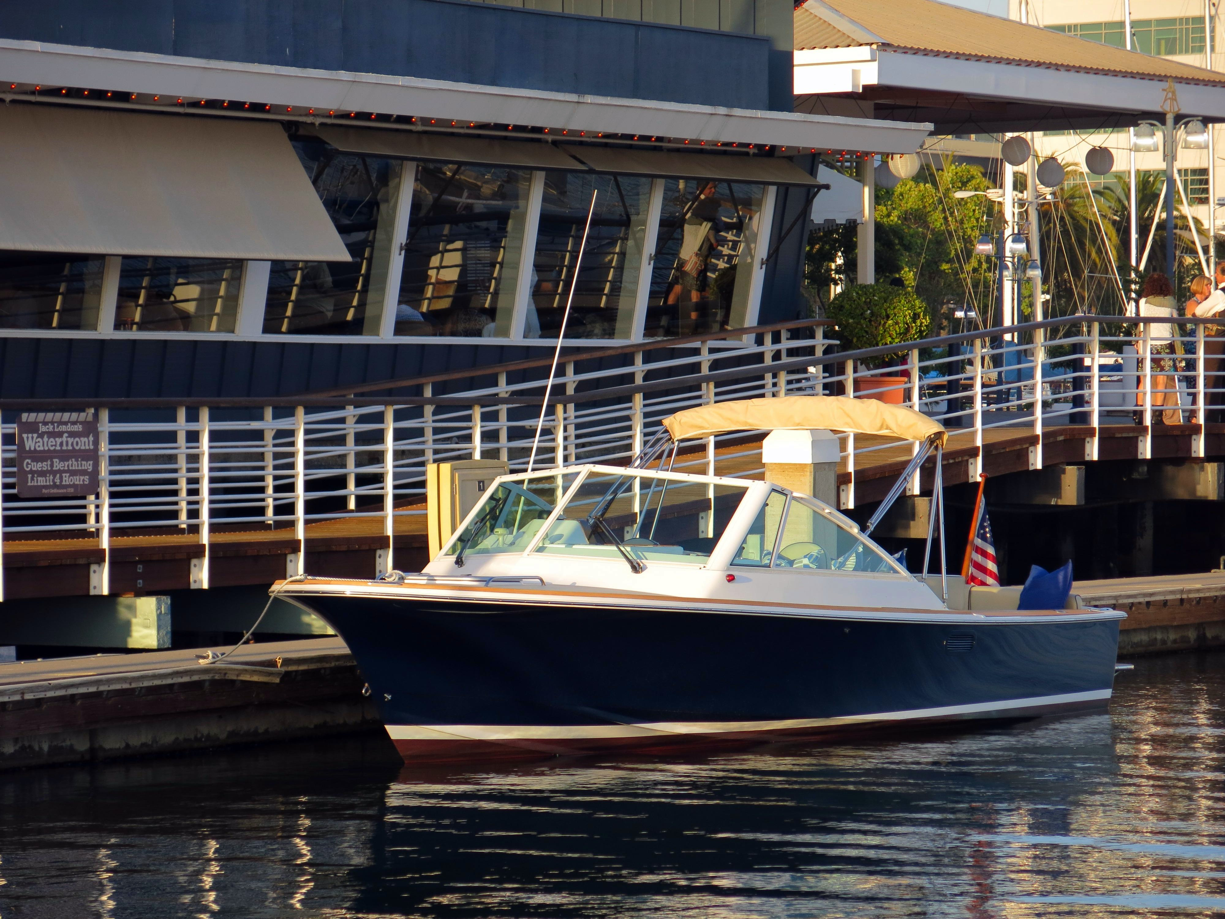 Used Hunt Yachts Harrier 25 Cuddy Cabin Boat For Sale