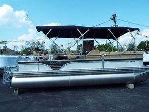 New Lowe SF232SF232 Pontoon Boat For Sale
