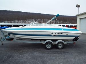 Used Larson 228 LXI228 LXI Bowrider Boat For Sale