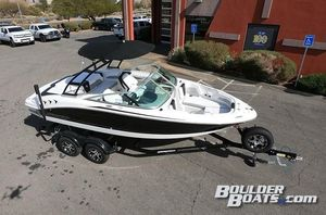 New Chaparral 21 H2O Surf21 H2O Surf Ski and Wakeboard Boat For Sale