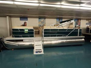 New Sweetwater SW 2286 FCSW 2286 FC Pontoon Boat For Sale