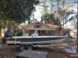 Used Pathfinder 2200 Center Console Fishing Boat For Sale