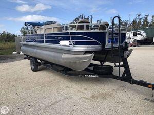 Used Sun Tracker Fishin' Barge 20 DLX Pontoon Boat For Sale