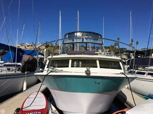 Used Tollycraft 30 Royal Double Express Cruiser Boat For Sale