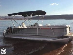 Used Harris Solstice 220 Pontoon Boat For Sale