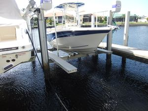 Used Sea Chaser HFC Center Console Fishing Boat For Sale