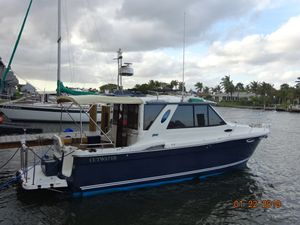 Used Cutwater C26 Motor Yacht For Sale