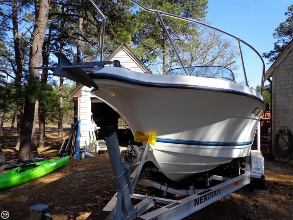 1999 Used Bayliner 20 Trophy Walkaround Fishing Boat For