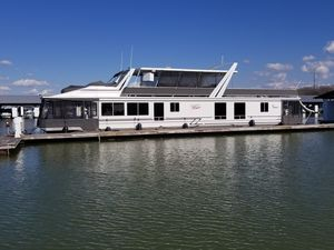 Used Sunstar HOUSEBOAT 17.5 X 82HOUSEBOAT 17.5 X 82 House Boat For Sale