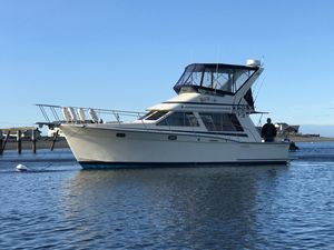 Used Tollycraft 34 Sport Sedan Cruiser Boat For Sale