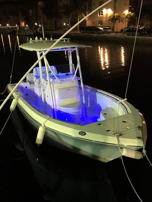Used Cobia 220 Center Console Center Console Fishing Boat For Sale