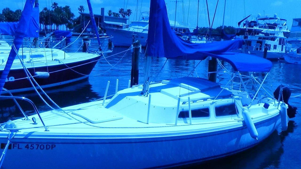 1981 Used Catalina Pop Top Sloop Sailboat For Sale - $7,900