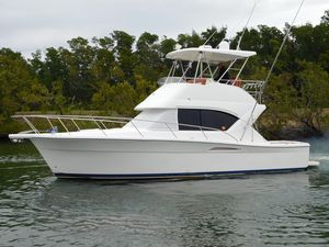 New Riviera 35 Flybridge Convertible Fishing Boat For Sale