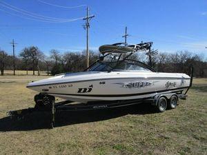 Used Supra Sunsport 24 VSunsport 24 V Ski and Wakeboard Boat For Sale