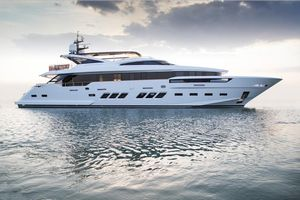 Used Dreamline 34M Motor Yacht For Sale