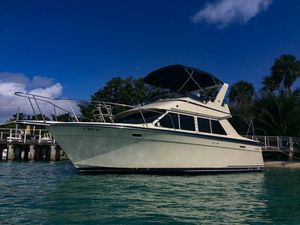 Used Tollycraft 30 Sport Cruiser Boat For Sale