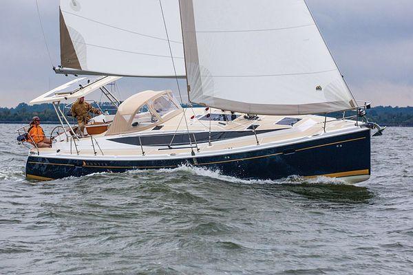 Used Marlow-Hunter Marlow Hunter 40 Sloop Sailboat For Sale