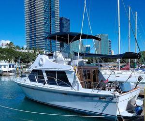 Used Tollycraft Sedan Flybridge Boat For Sale