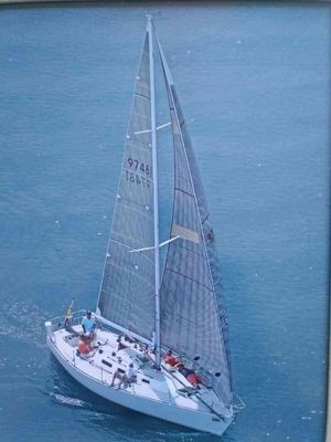 Used J Boats J 35 Racer and Cruiser Sailboat For Sale